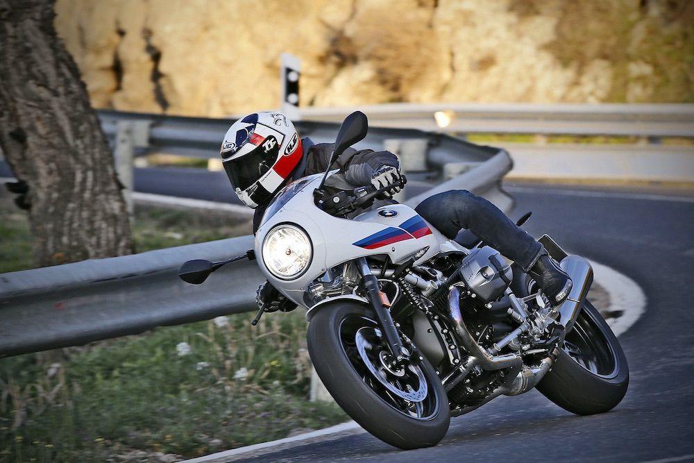 BMW R NineT Racer carretera