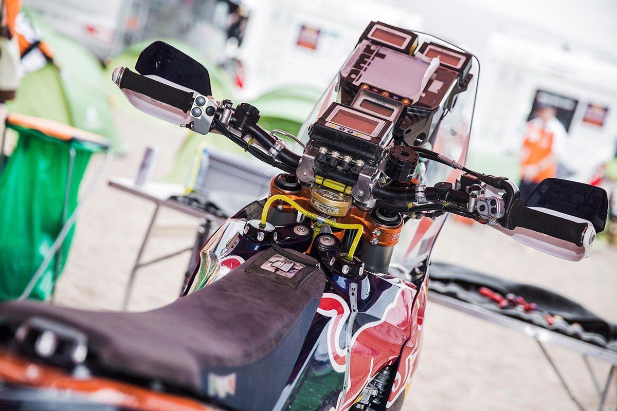 Los distintos dispositivos de una KTM 450 Rally