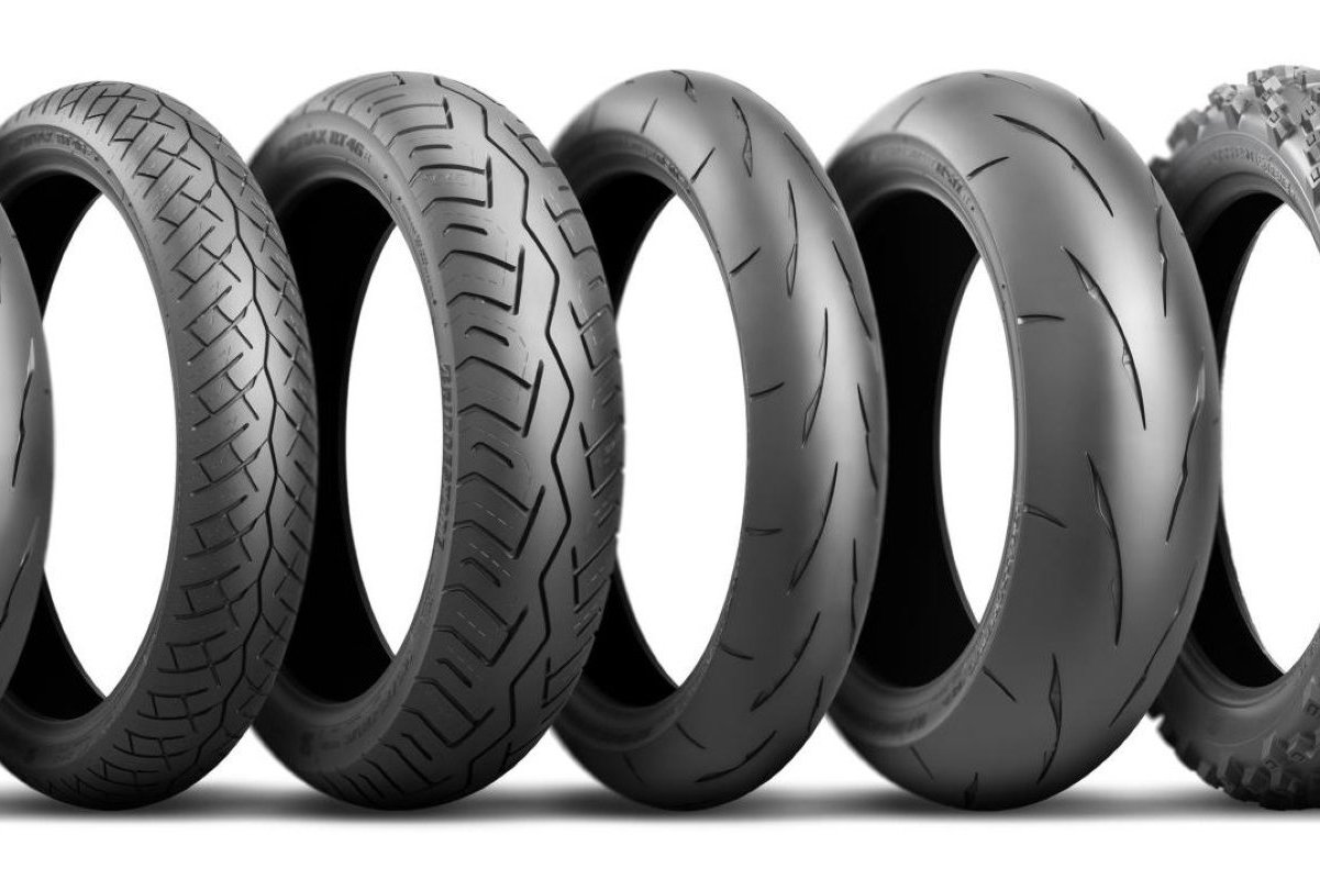 Bridgestone presenta cuatro nuevos modelos de neumáticos de moto