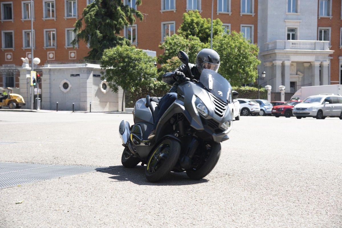 Nuevas versiones del Peugeot Metropolis: SW y GT