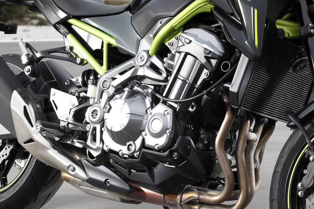 kawasaki_z900_a2_motor