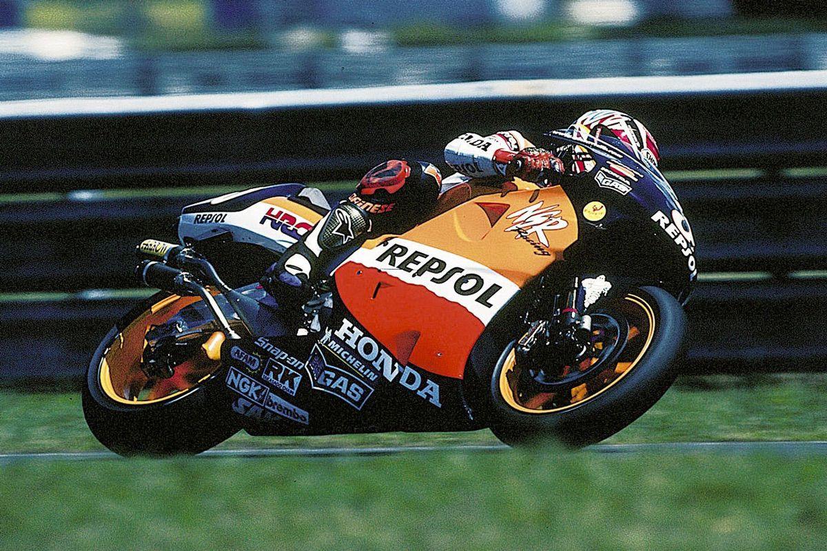 Alex Crivillé fue el primer campeón del mundo español en 500 en 1999 con una Honda NSR 500