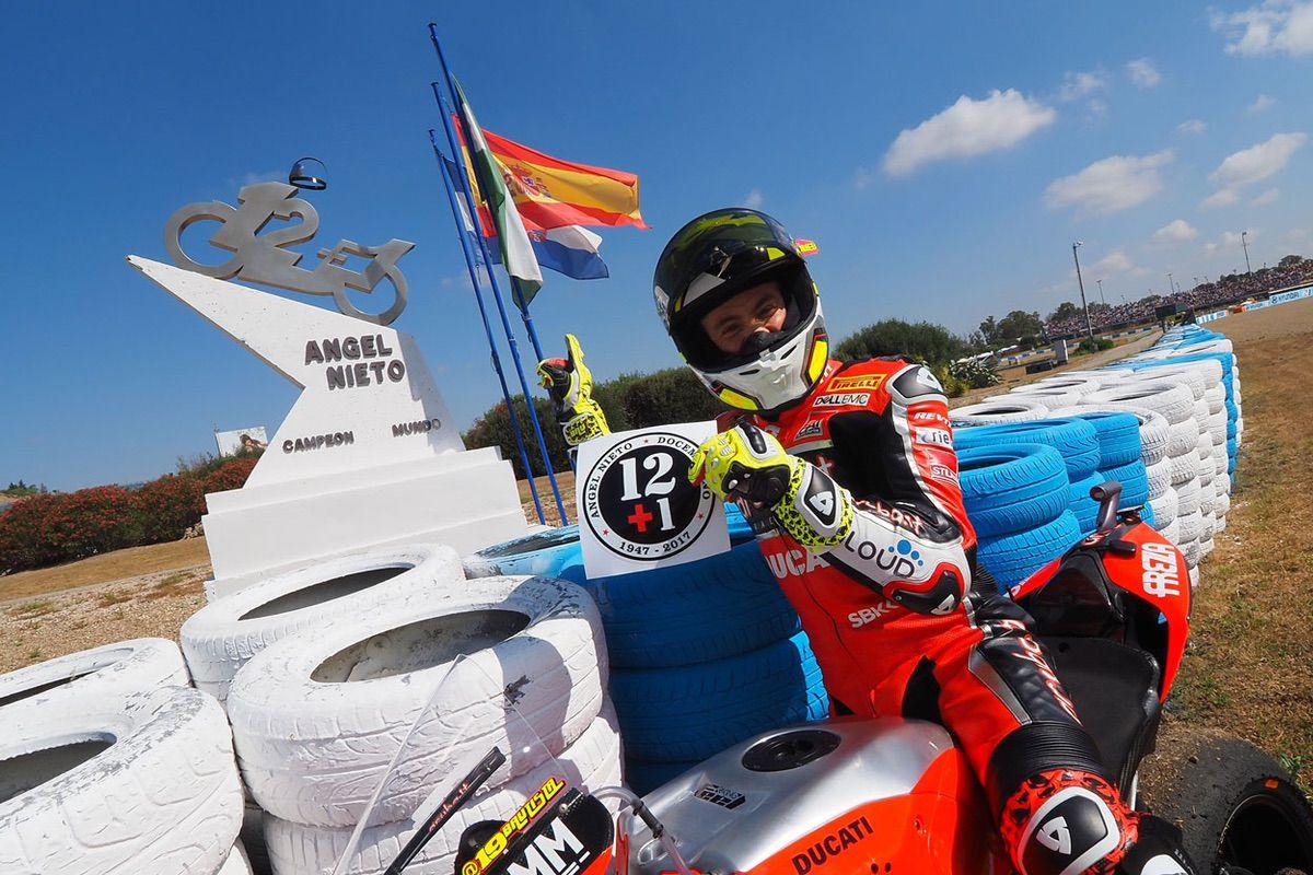 Alvaro Bautista homenajeó a Angel Nieto en SBK Jerez