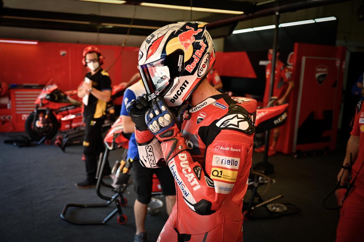 Andrea Dovizioso regresa a MotoGP con Aprilia