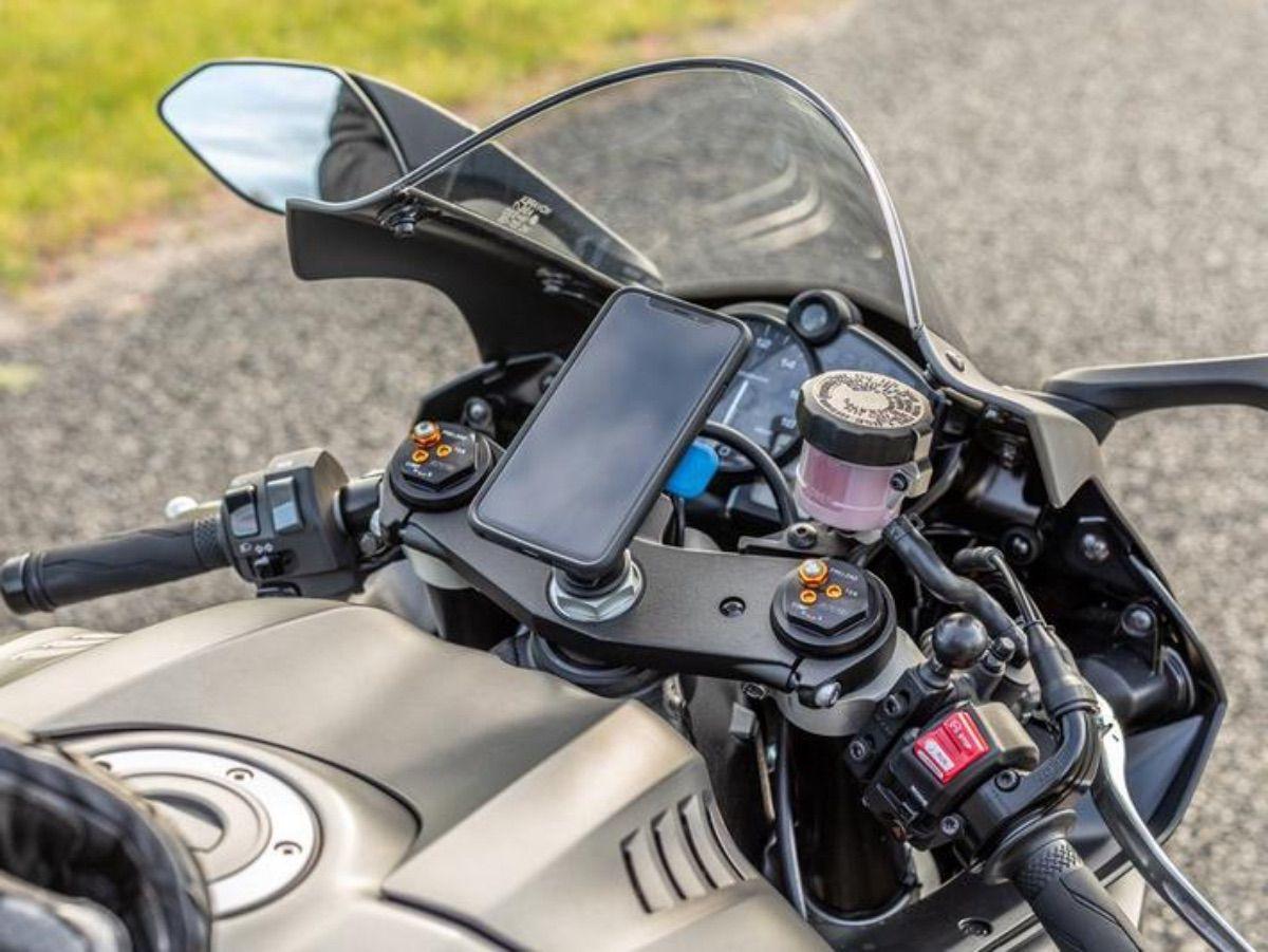 Tipos de soporte móvil para viajar en moto