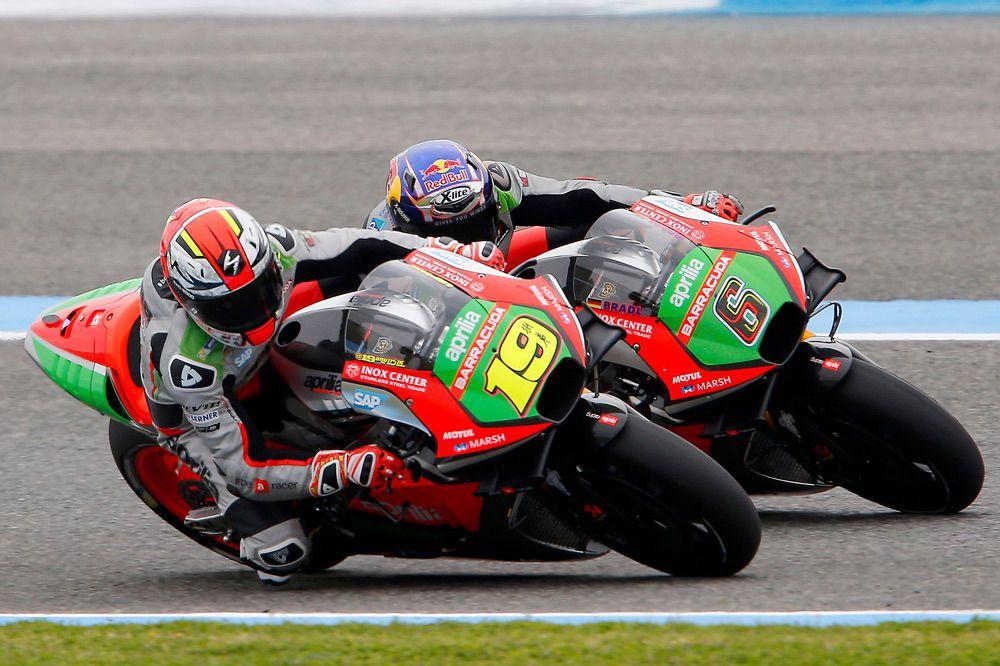 Aprilia también mostró aletas en sus motos de MotoGP