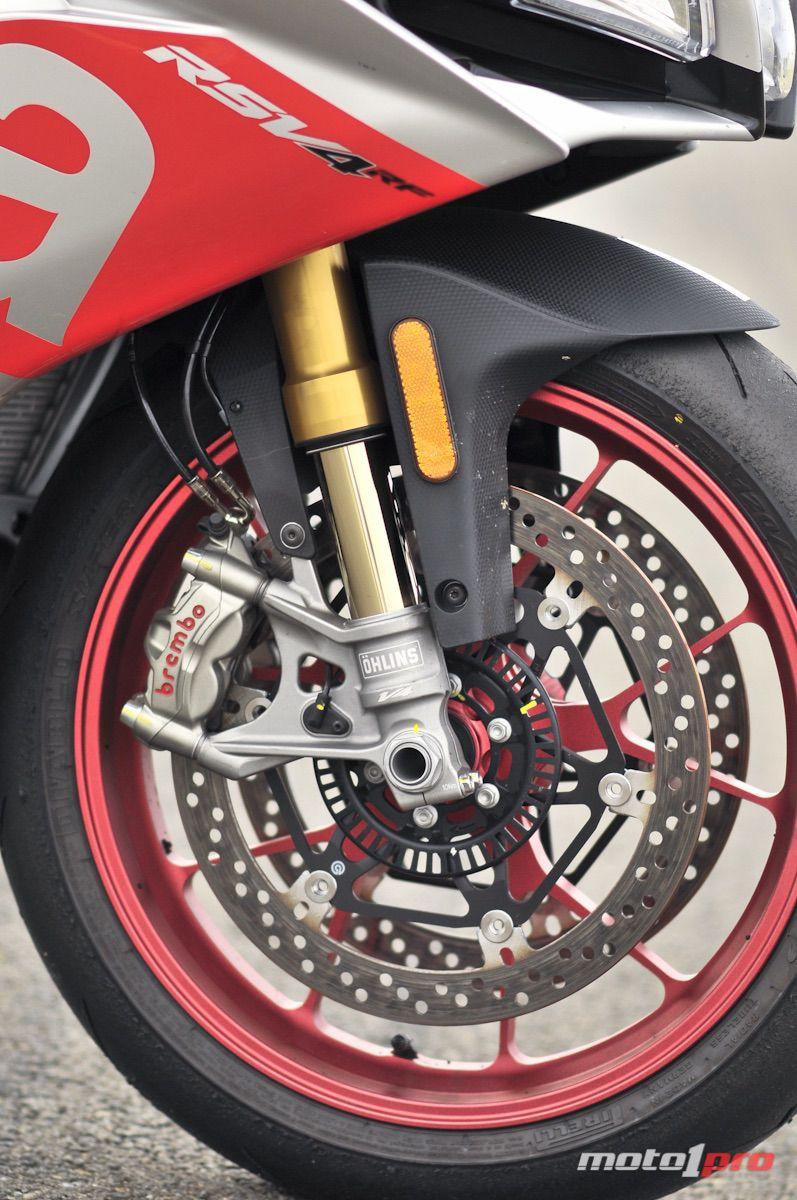 Aprilia RSV4 RF frenos suspensiones