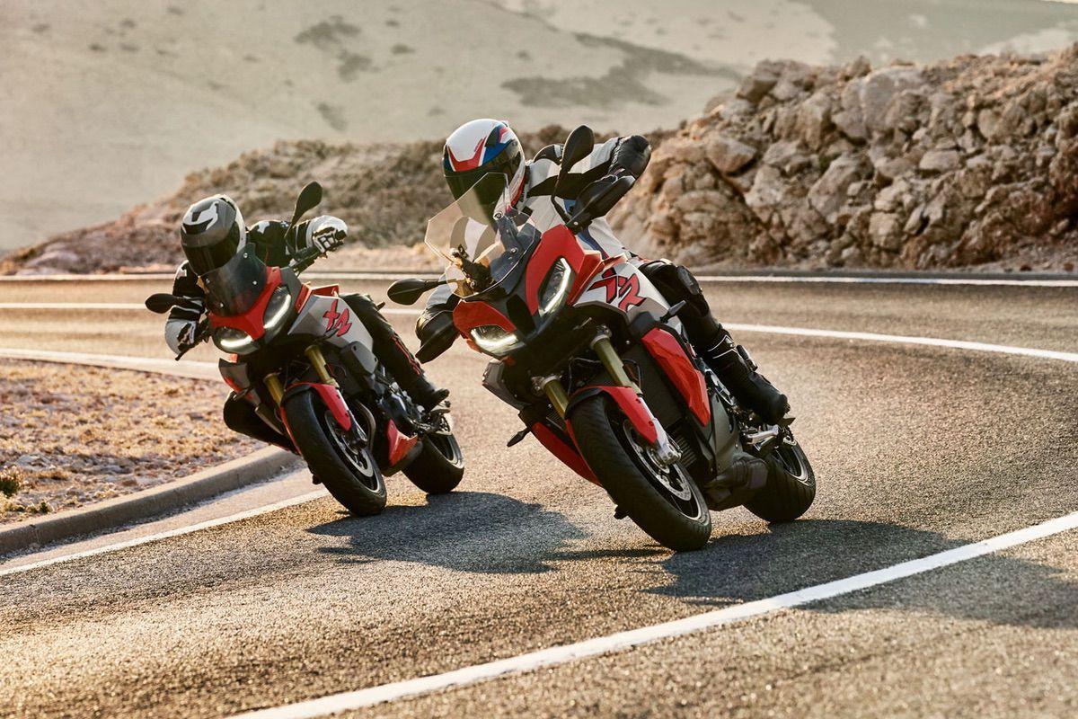 La BMW F 900 XR es una nueva candidata a la mejor moto trail de carretera 2020