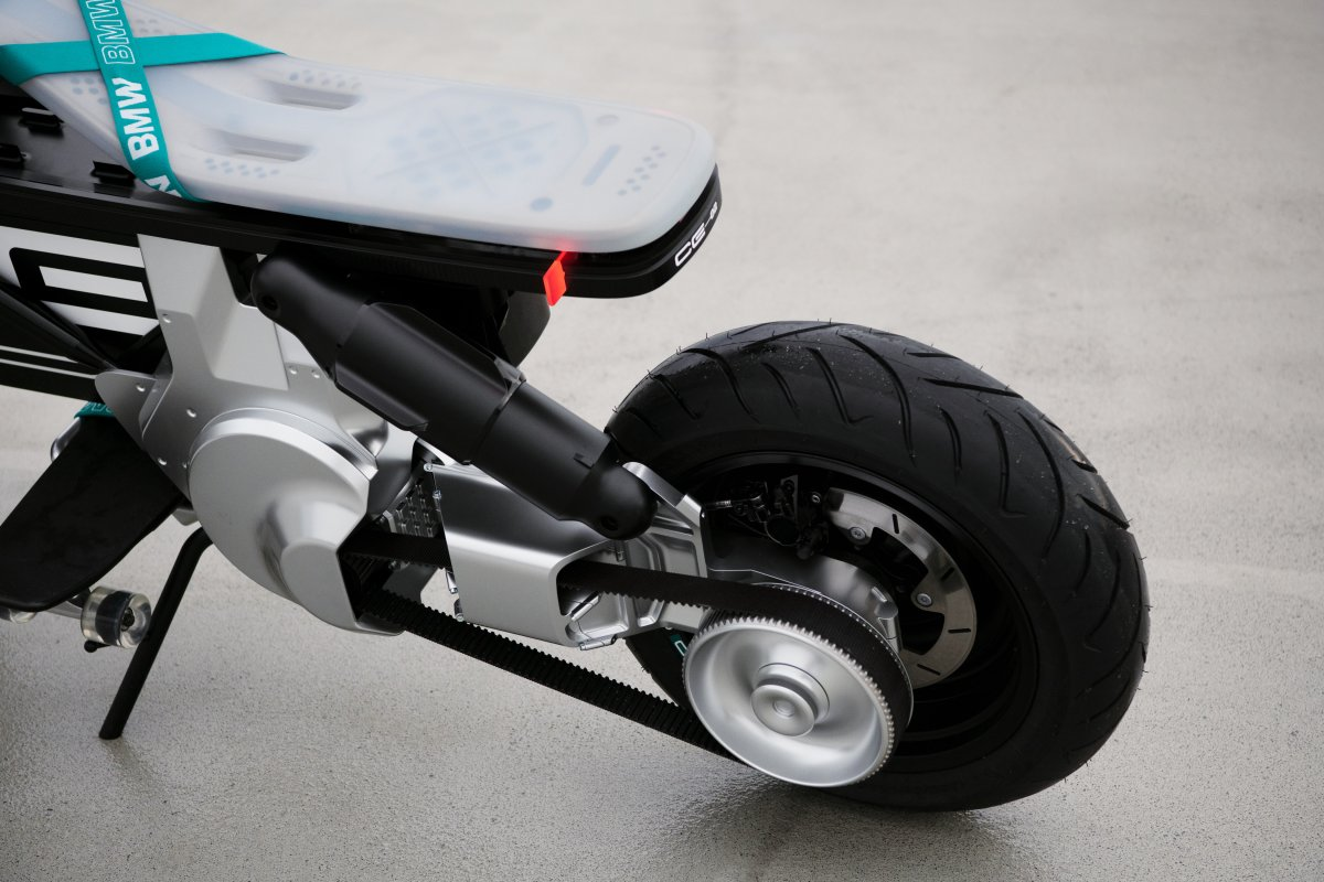 "Nueva BMW eléctrica ""sin carnet"": Concept CE 02"