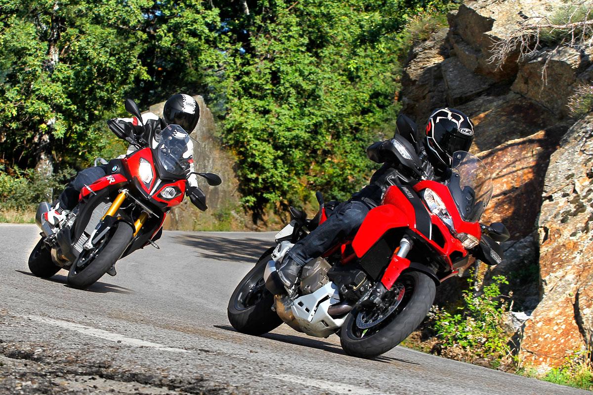 Curva en moto