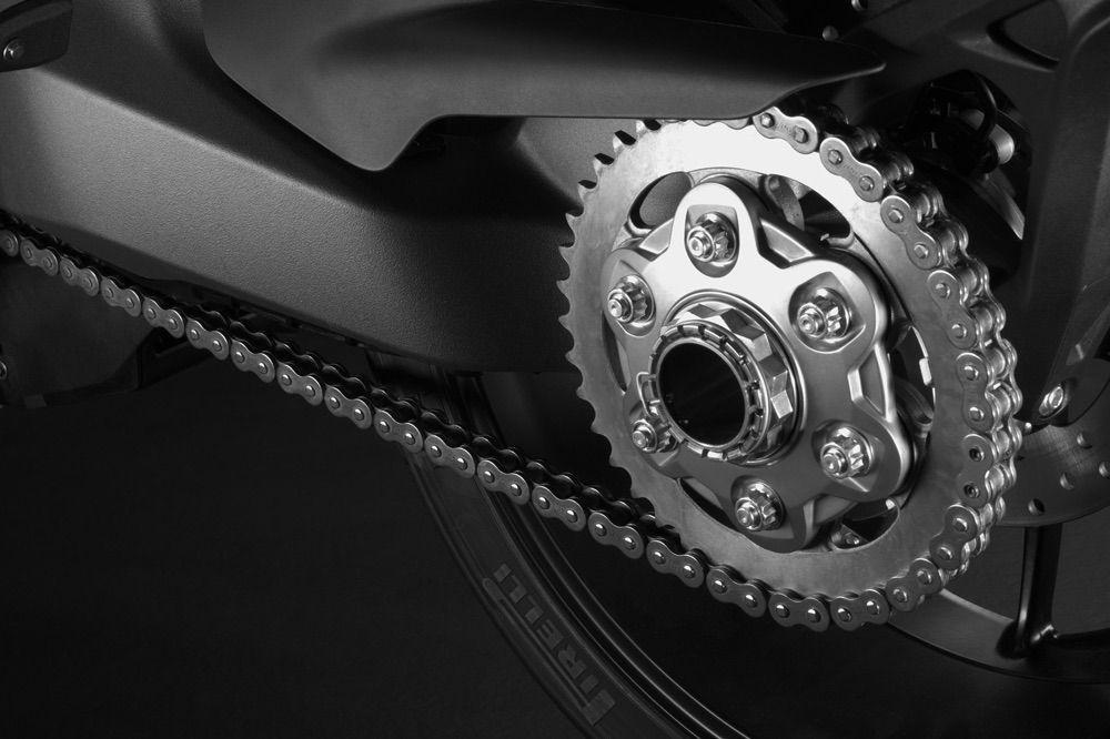 Como tensar la cadena de la moto
