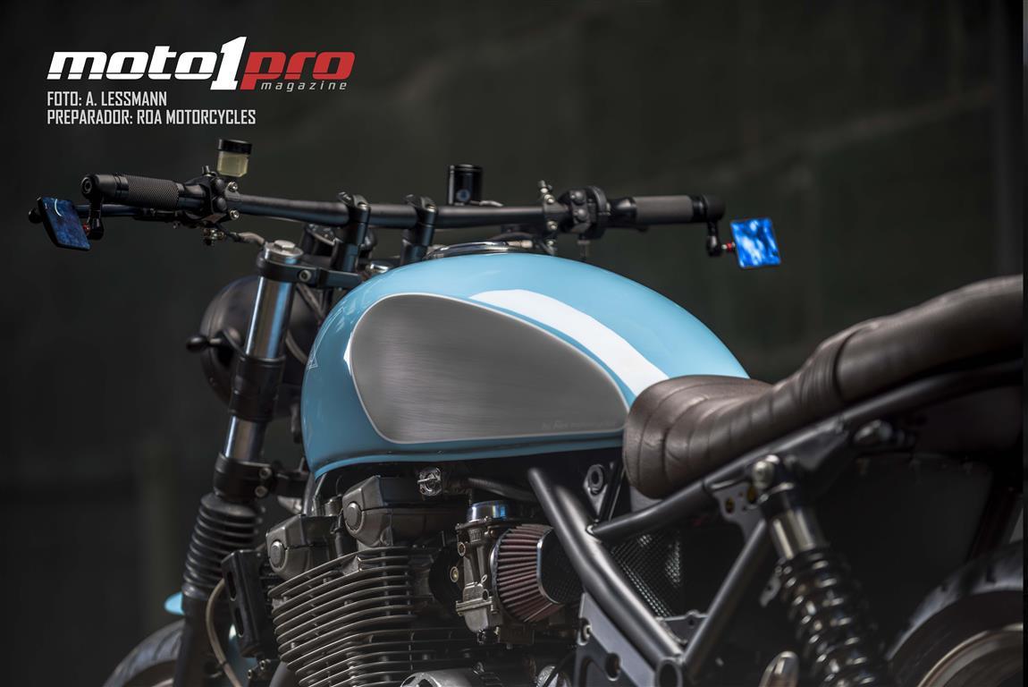 Cafe Racer con una Kawasaki Zephyr 1100