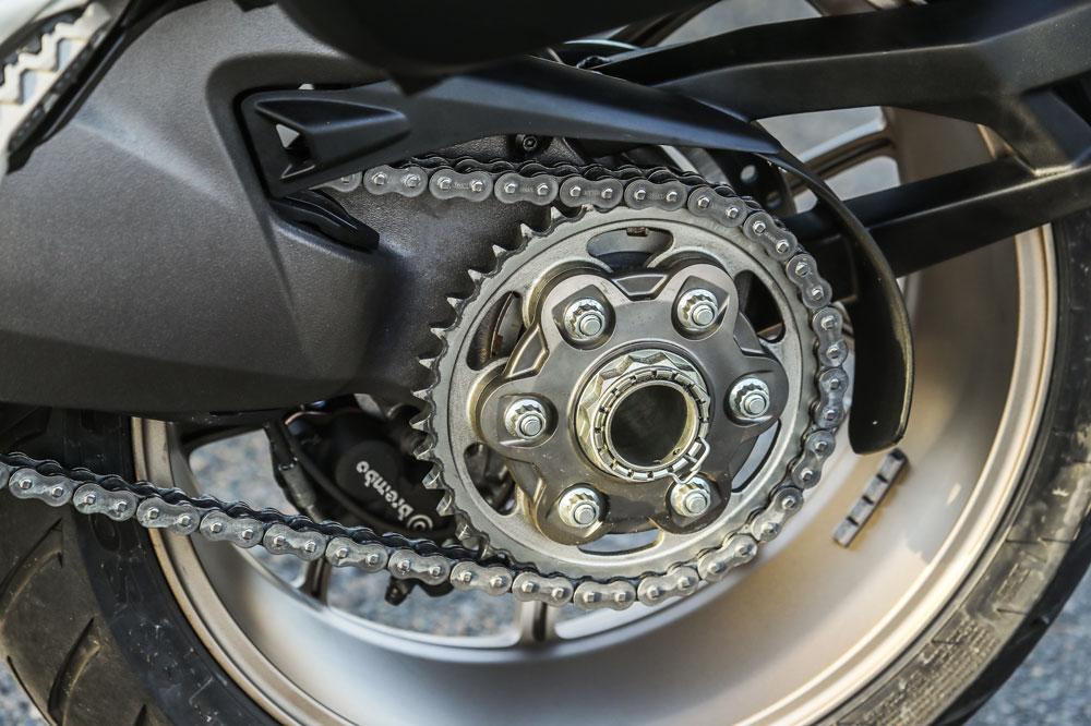Cambiar la cadena de nuestra moto, medidas y calidades