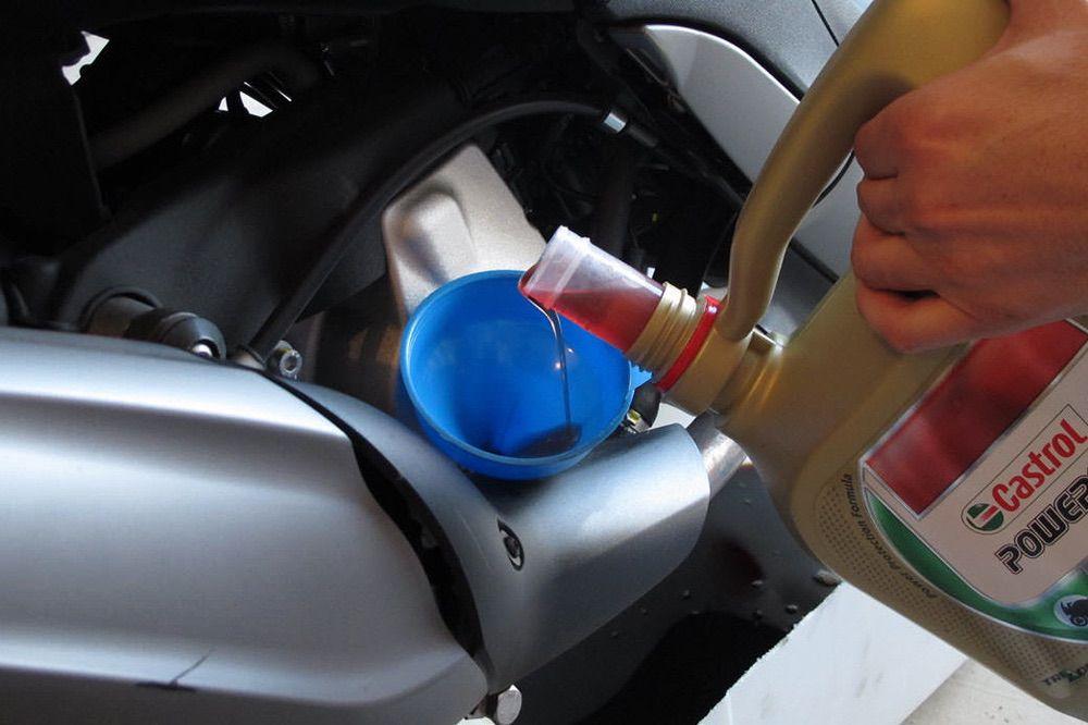 Problemas que te puedes encontrar a la hora de cambiar el aceite de tu moto