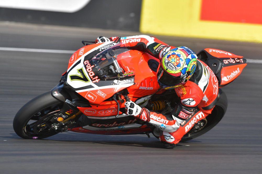 Victoria de Chaz Davies en Alemania en SBK con Ducati