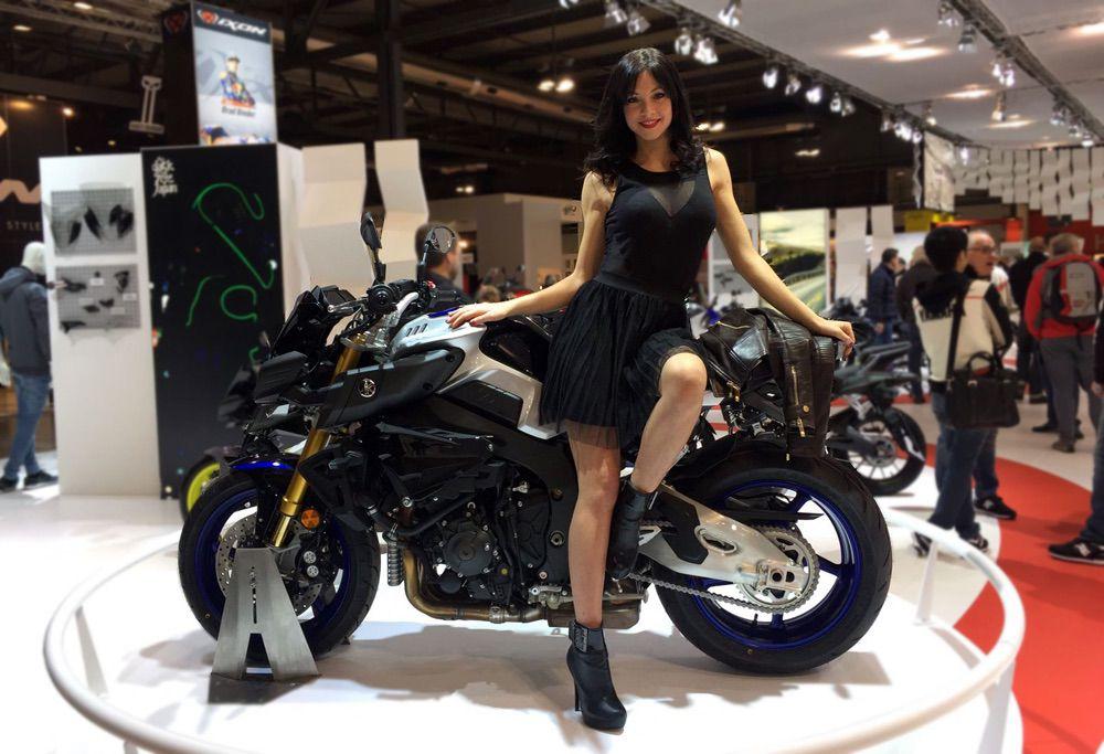 Eicma 2016 las chicas del sal n de mil n moto1pro for Salon de milan moto 2018