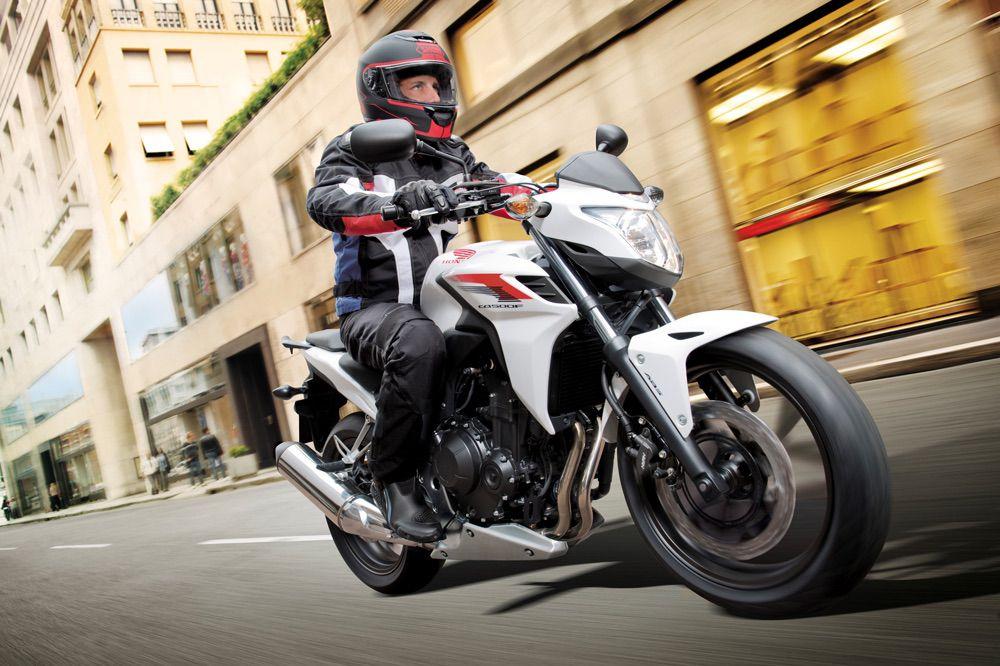Trucos y consejos para circular en moto por la ciudad