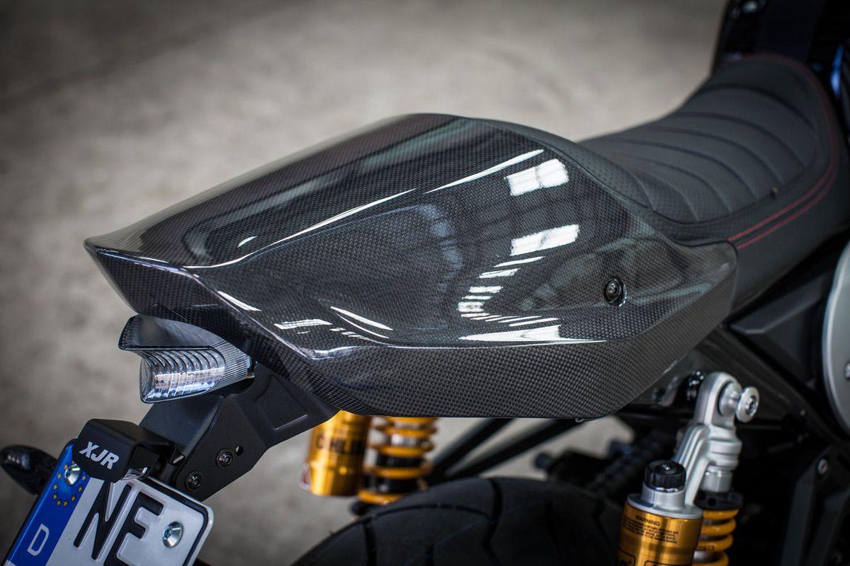 YAMAHA XJR 1300 / Racer