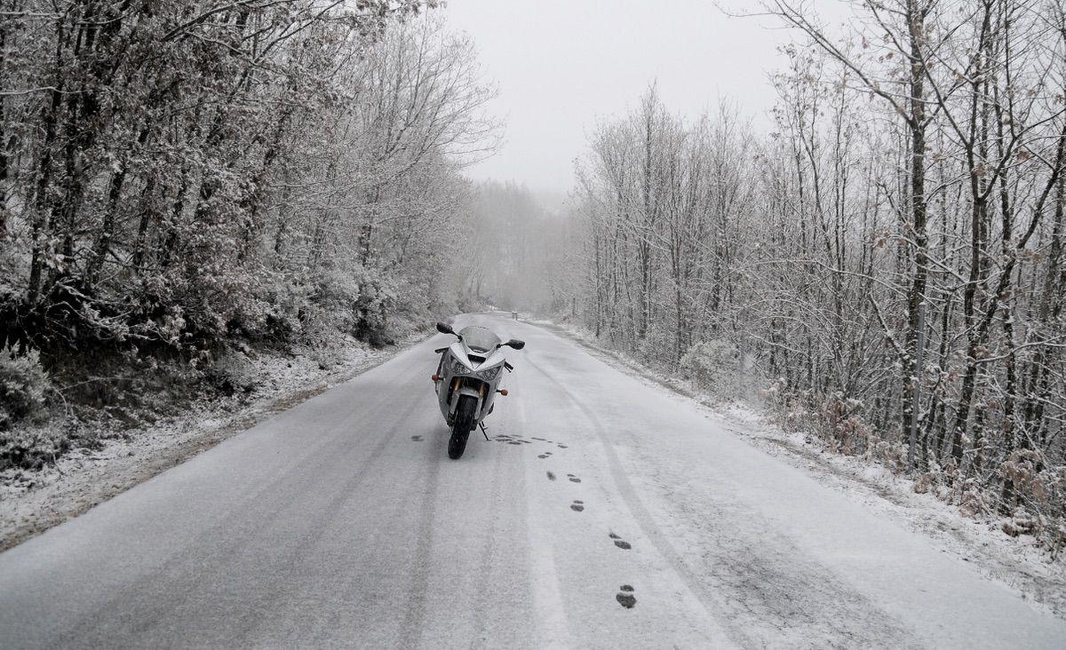 conduccion moto invierno nieve
