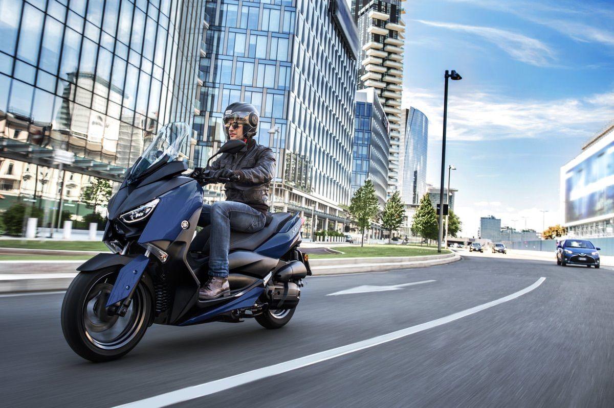 Los 10 mandamientos para moverse en moto por ciudad