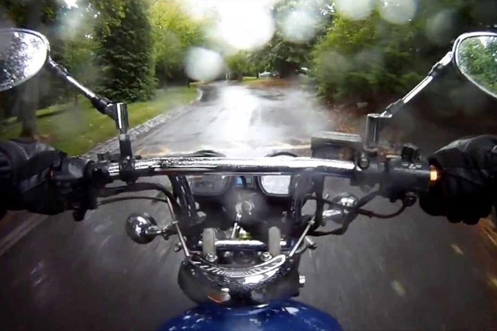 Casco moto lluvia