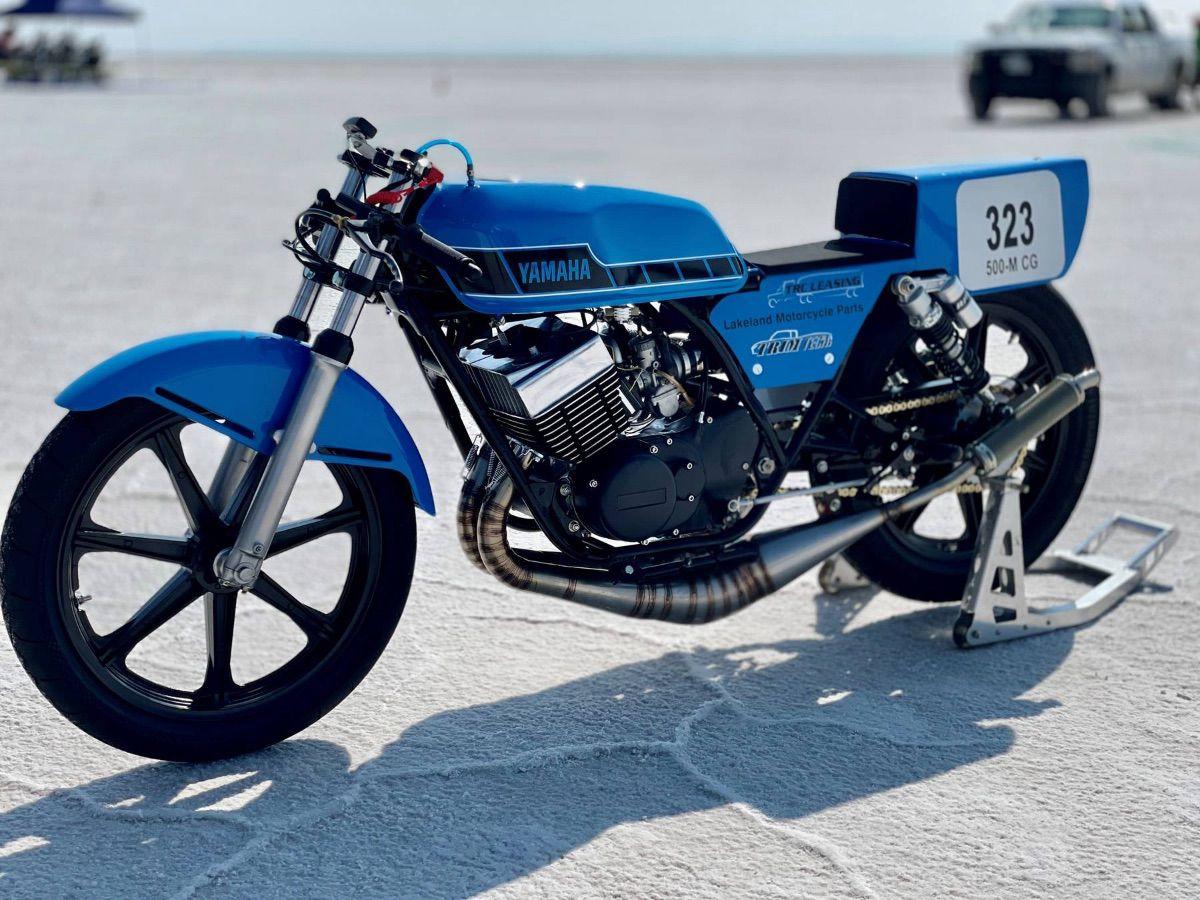 Récord de velocidad en Bonneville: una Yamaha RD400 a 206 km/h