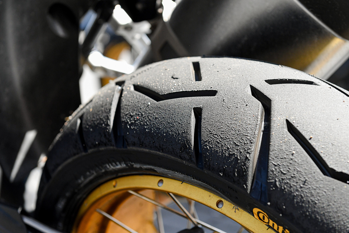 Los neumáticos de la moto: Revisión y comprobación
