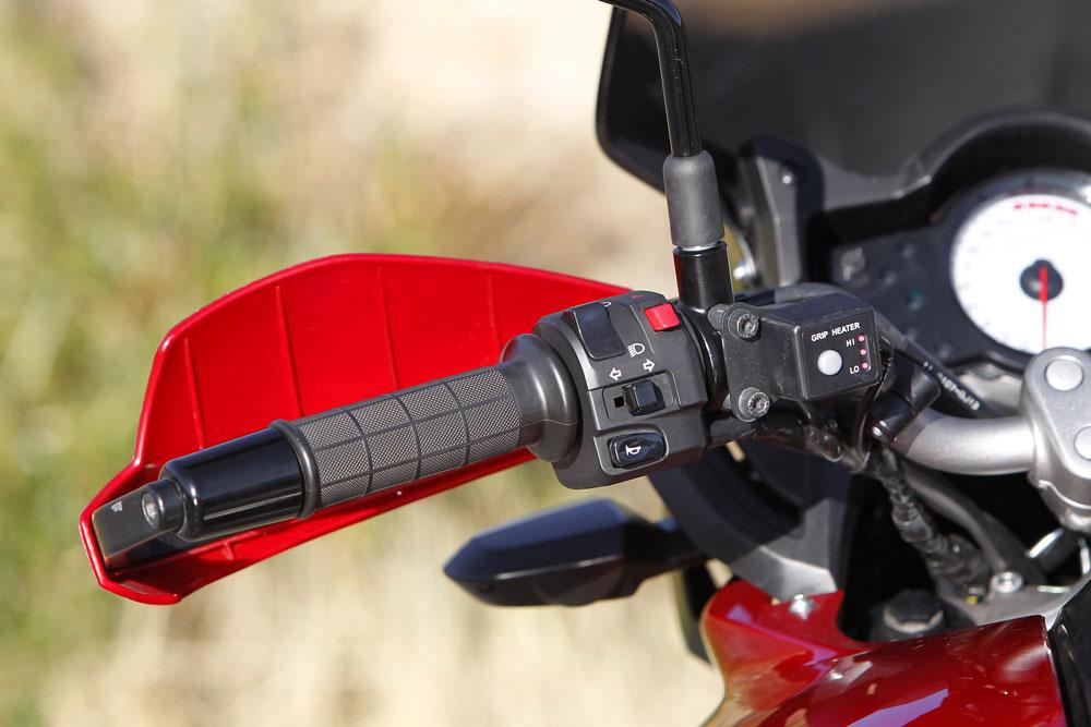 Cubremanetas y puños calefactables de la Kawasaki Versys 650