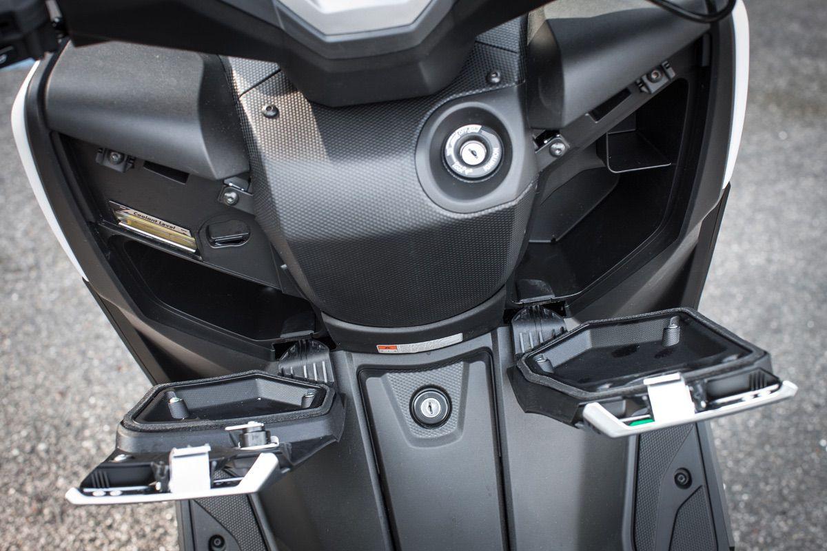 Comparativa yamaha x max 400 y kymco xciting 400i moto1pro for Yamaha pro 400
