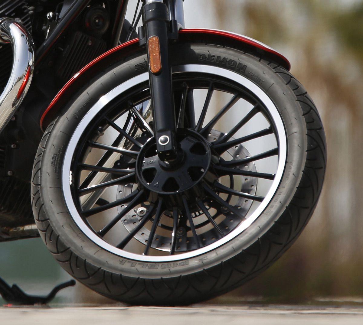 Detalle rueda V9 Roamer
