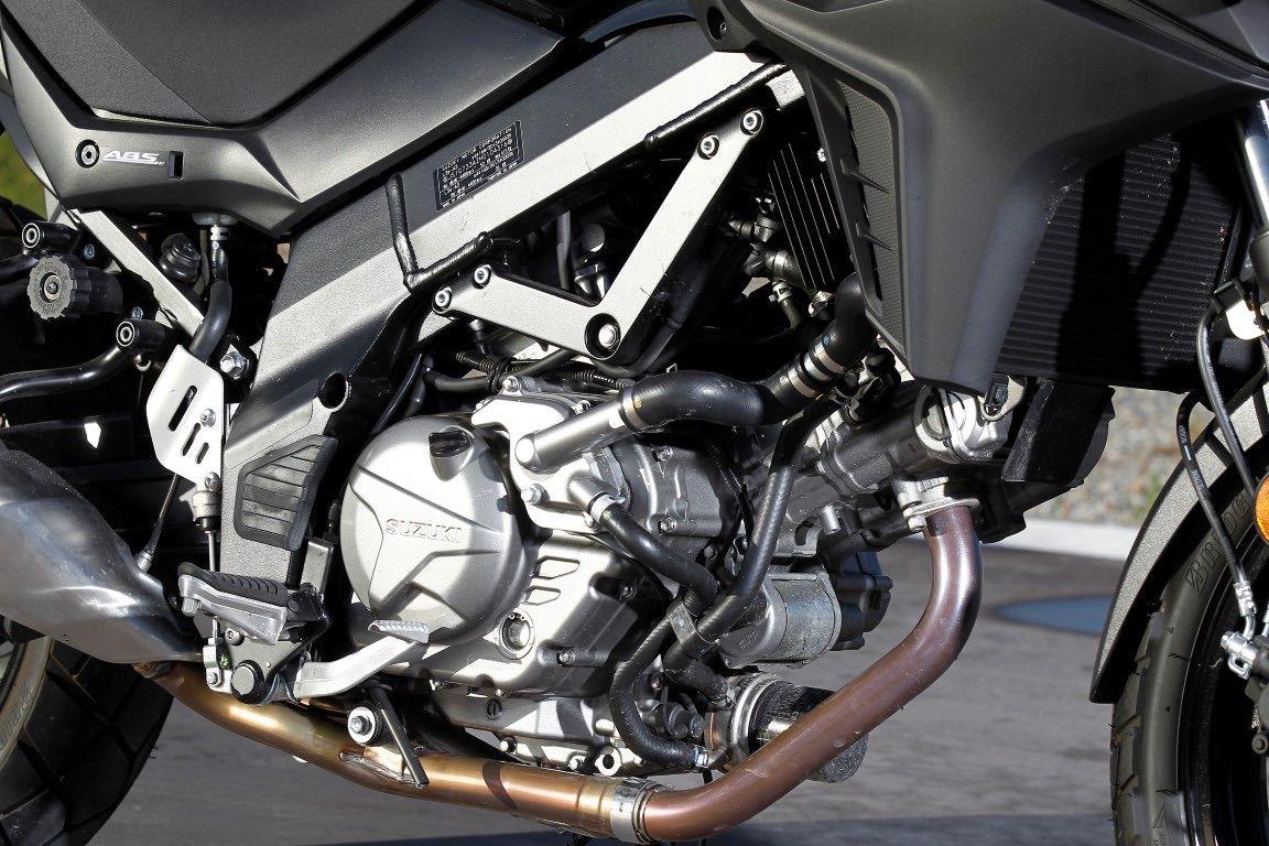 detalles suzuki vstrom 650 motor