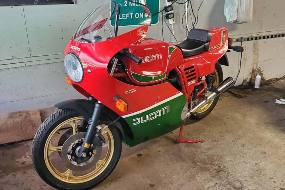 Ducati 900 Mike Hailwood Réplica