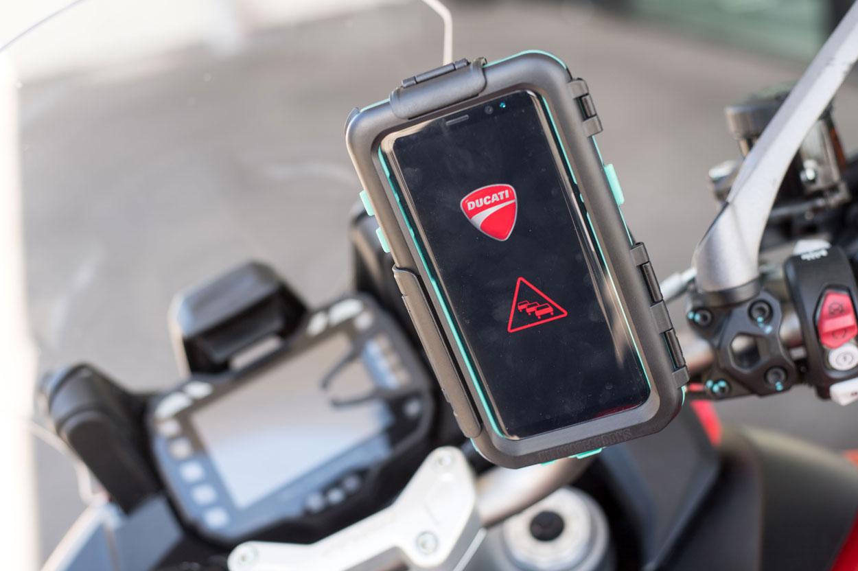 Ducati y Audi, colaboración para la seguridad de motos y motoristas