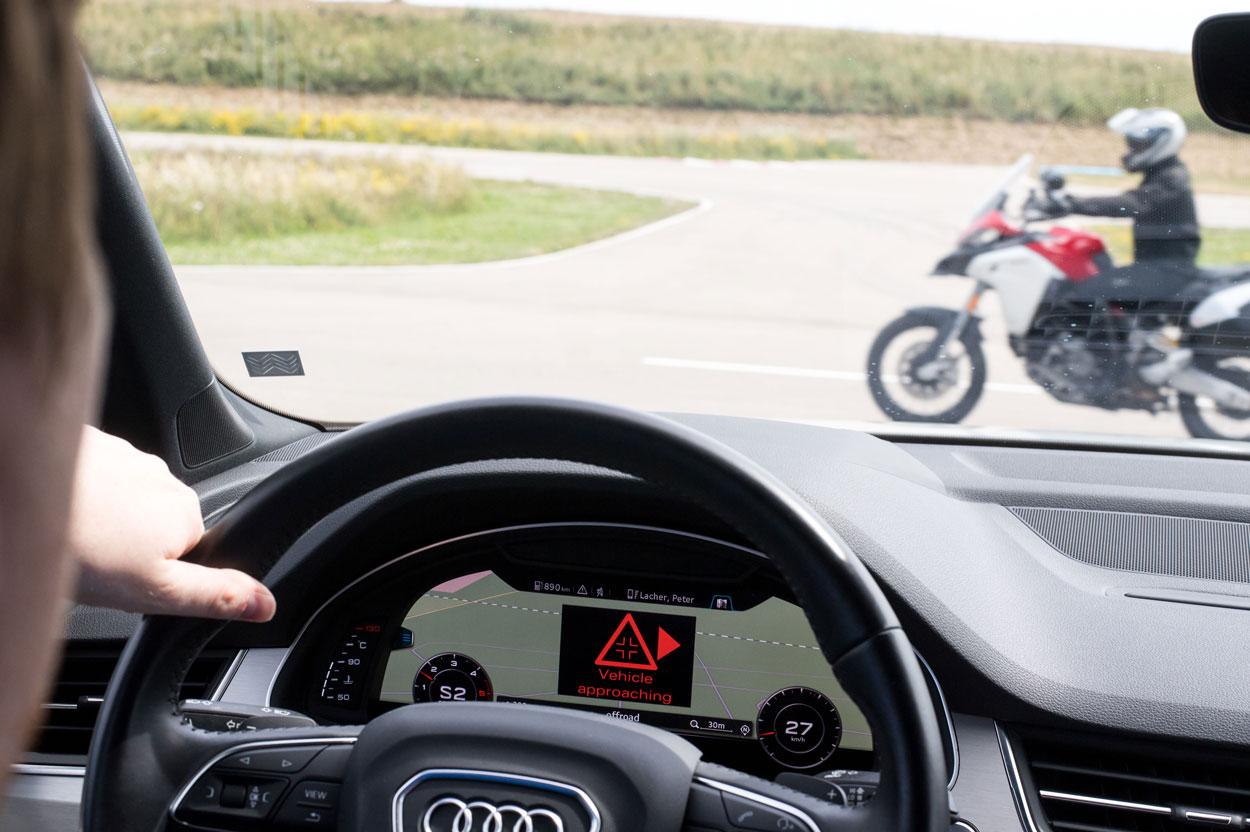 Colaboración entre Ducati y Audi para la seguridad de motos y motoristas