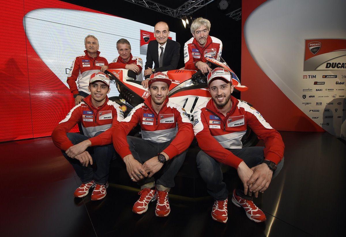 Equipo Ducati MotoGP al completo