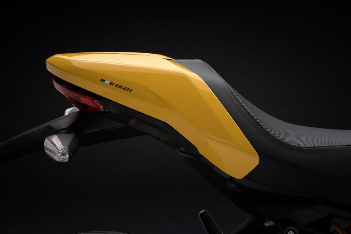 Ducati Monster 821 colin monoplaza