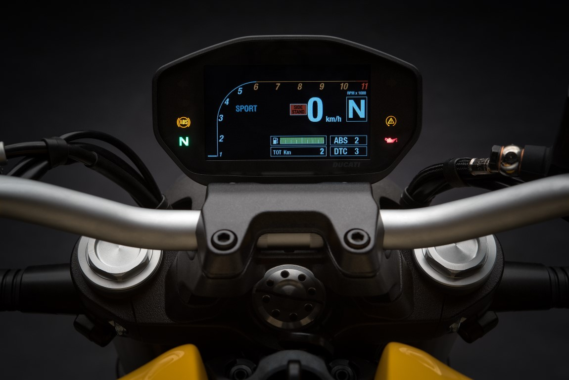 Ducati Monster 821 instrumentación panel LCD