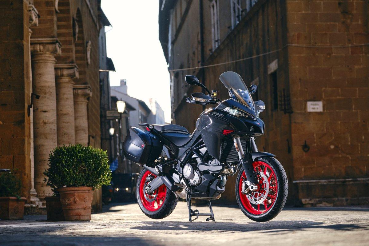 Nueva Ducati Multistrada V2 2022: mejorando la 950