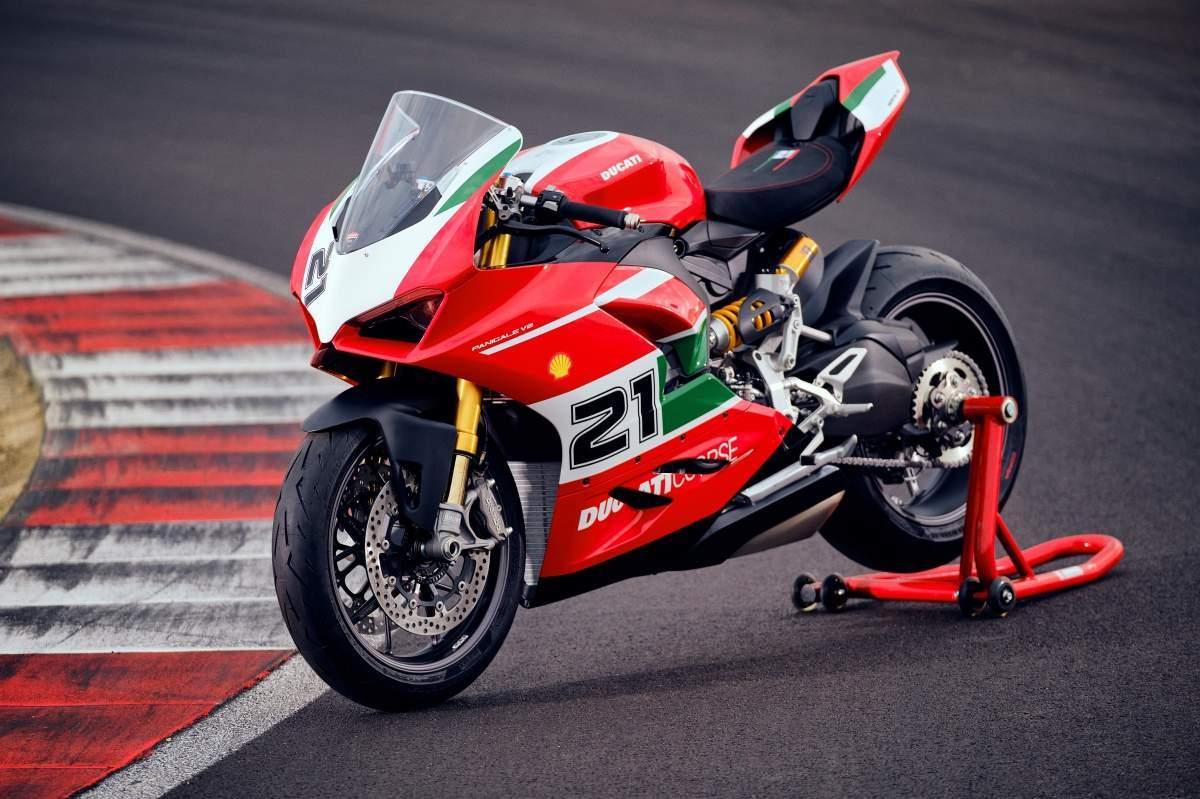 Ducati Panigale V2 Bayliss: nueva deportiva en edición limitada