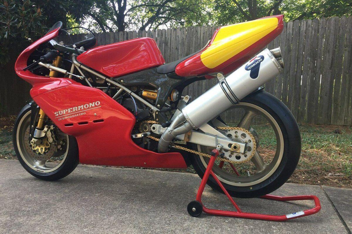 Moto de ensueño: exclusiva Ducati Supermono de 80.000 euros