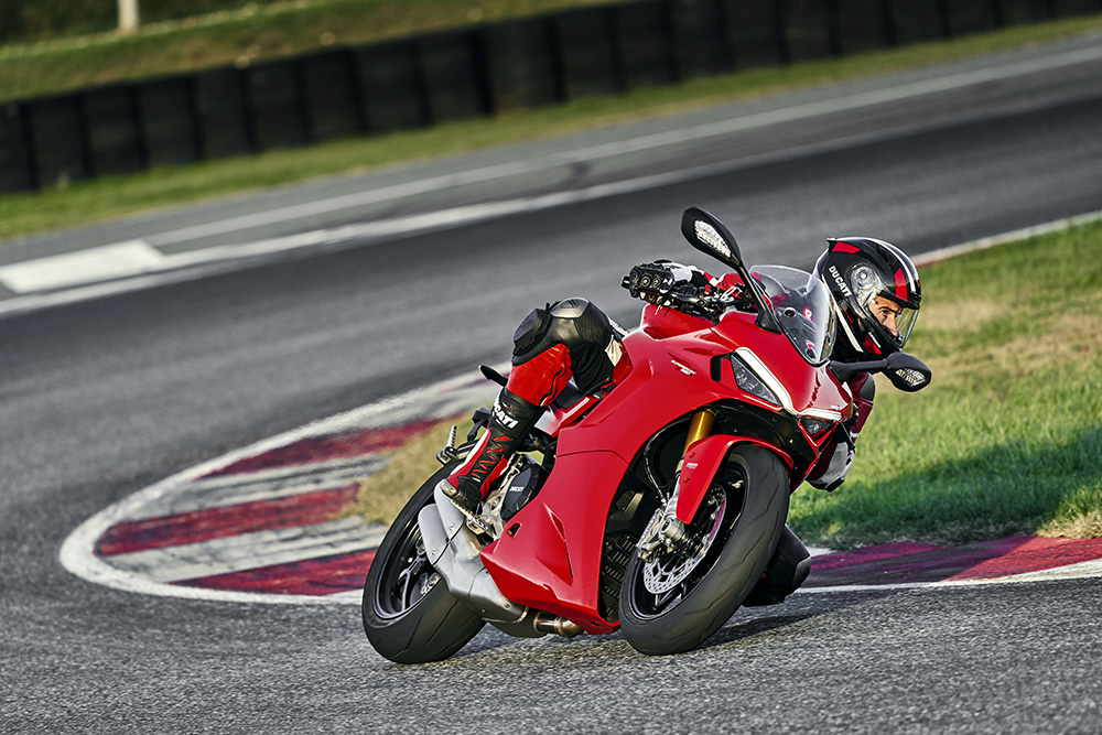 Ducati SuperSport 950 y  Ducati SuperSport 950 S 2021