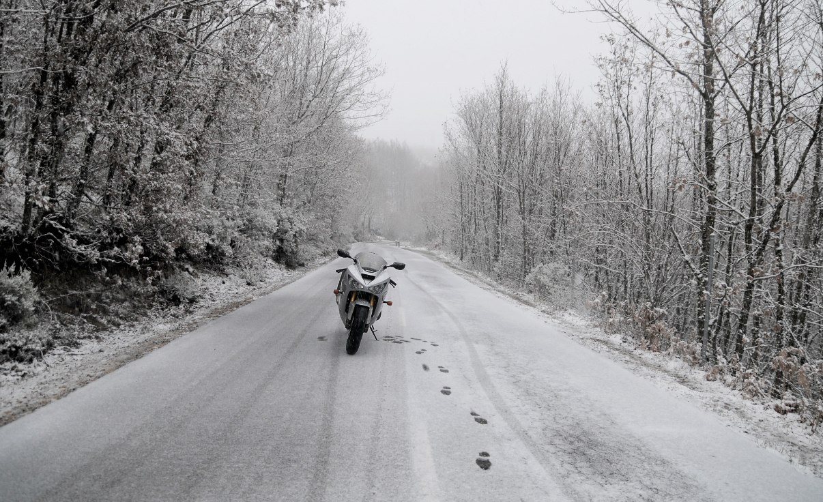 Resultados encuesta: ¿La moto es solo para el buen tiempo?