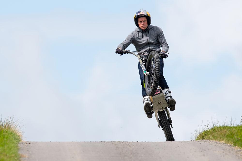 Dougie Lampkin intentará hacer el recorrido completo del TT de la Isla de Man en caballito