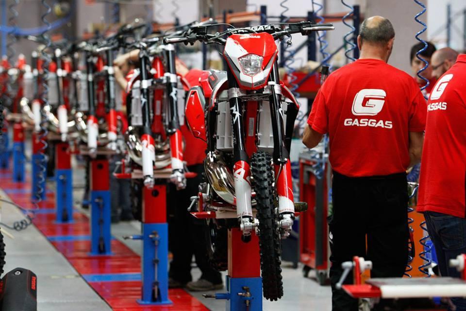 Gas Gas EC 300 en la cadena de montaje