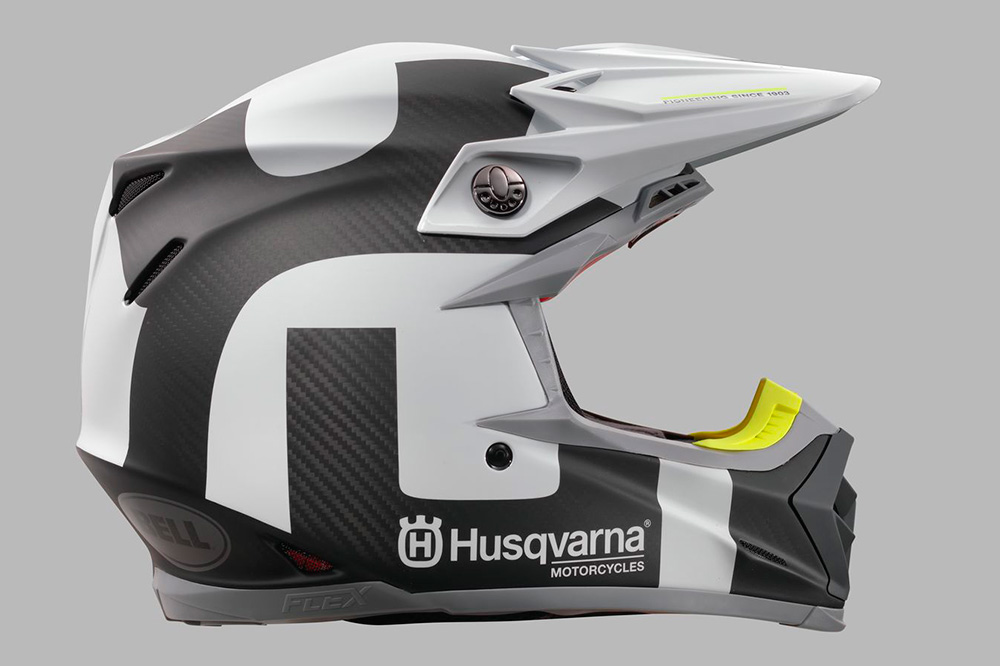 CASCO HUSQVARNA MOTO-9 FLEX RAILED HELMET