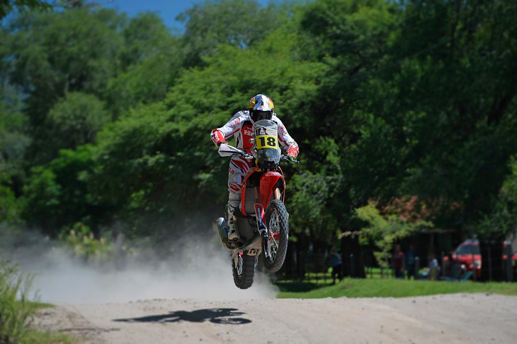 Sam Sunderland gana la etapa 2 del Dakar 2014.