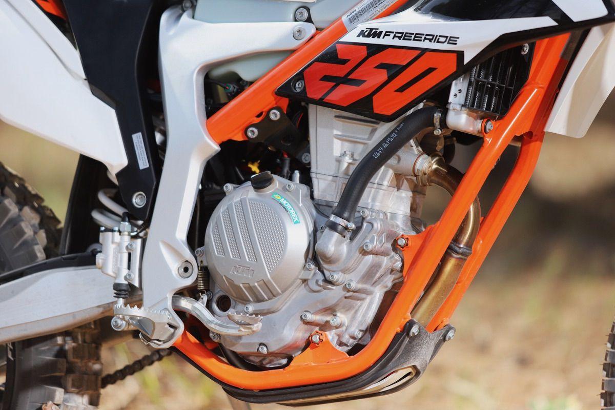 Prueba KTM Freeride detalle motor