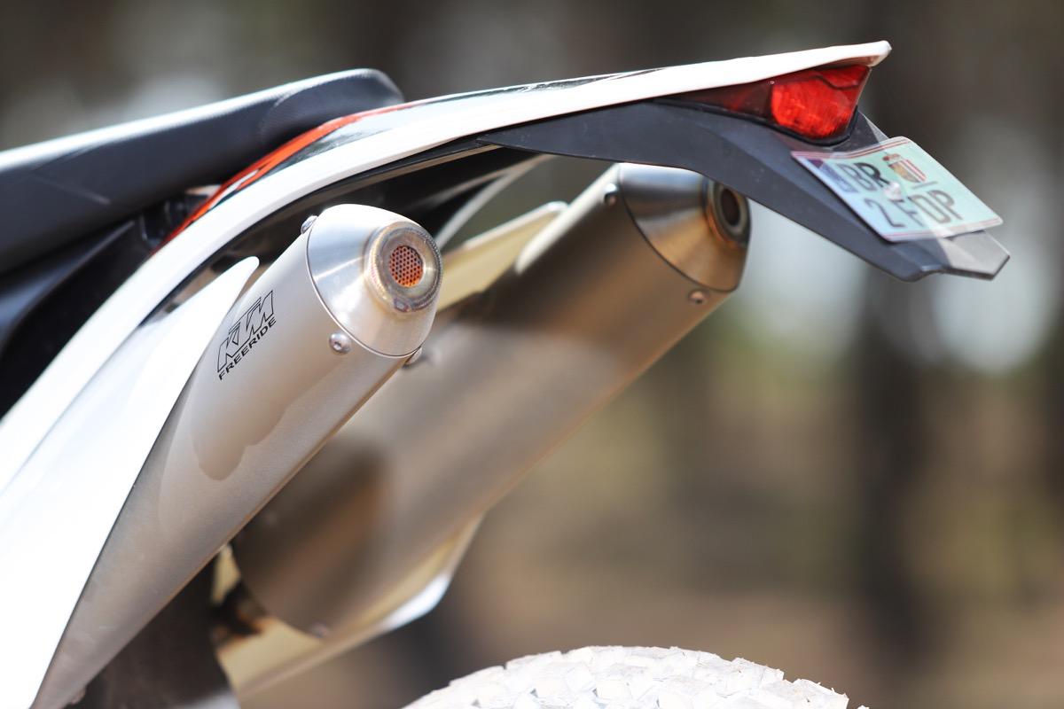Prueba KTM Freeride detalle silencioso