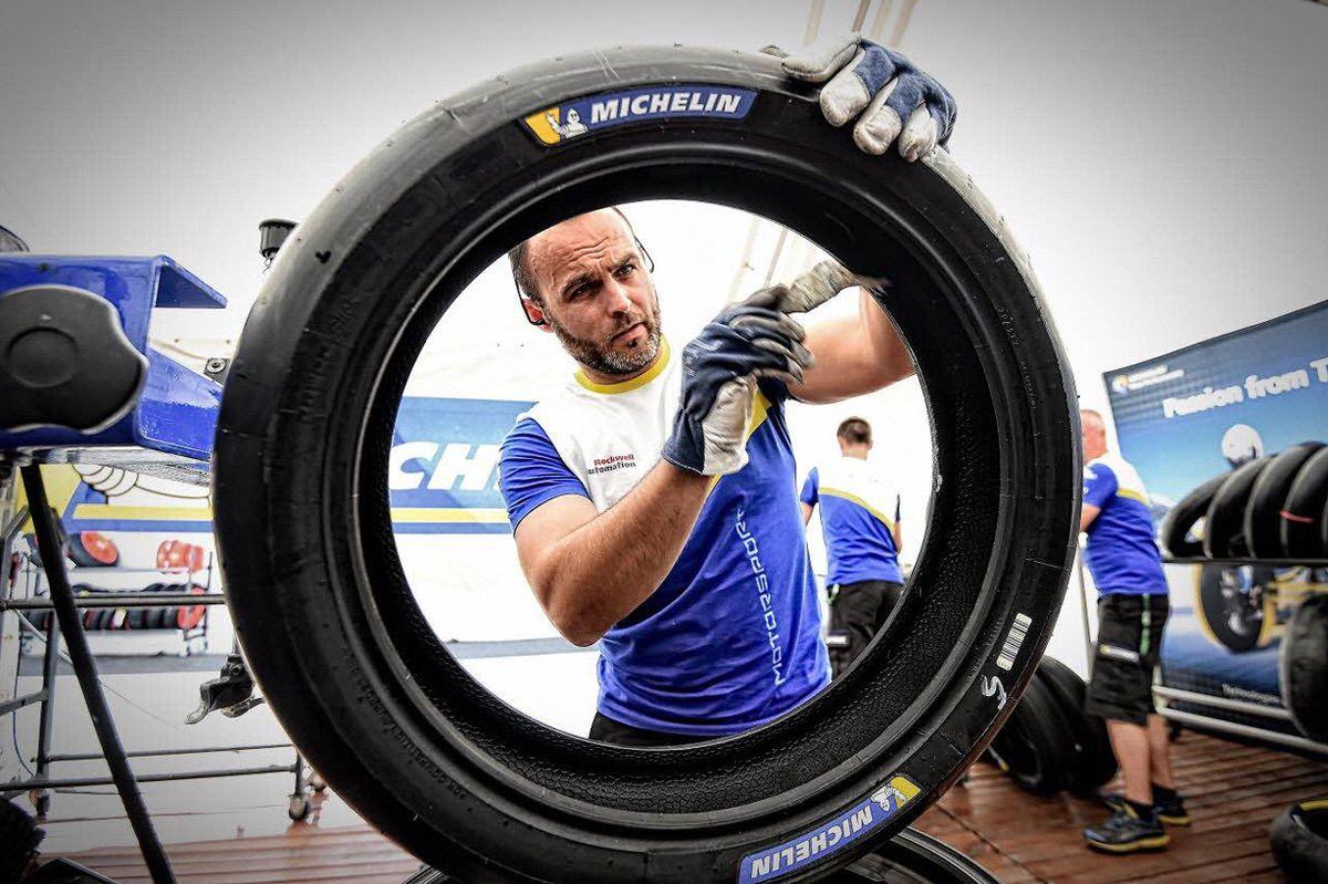 El equilibrado de las ruedas de una moto