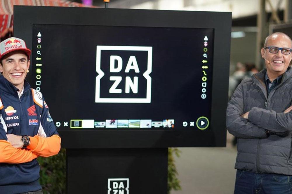 Ernest Riveras y Marc Marquez durante la retransmisión de DAZN